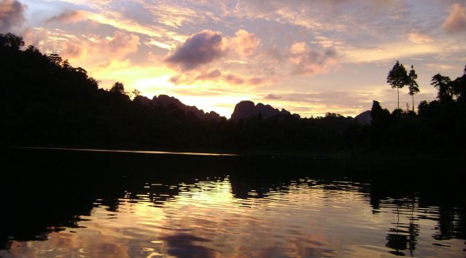 cheow_lan_lake_skyline